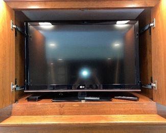 """LG television, 42"""" diagonal"""