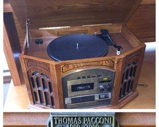 Thomas Pacconi Record Player/Stereo/Cassette Combo