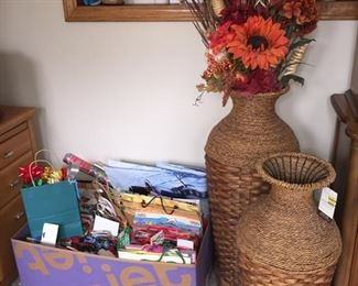 Wicker Baskets Decor and Gift Bags/Wrap