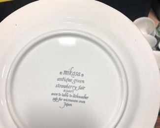 Mikasa Dinner Set $35.00