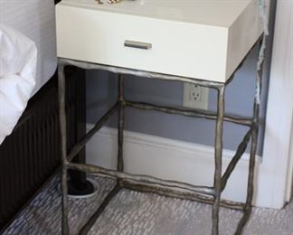 Par white lacquer & metal end table / night stands