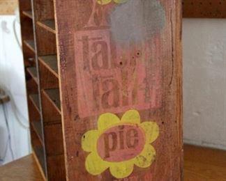 TABLE TALK PIE DISPLAY CASE