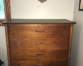Lane mid century chest of drawers