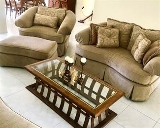 Honey Chenille Serpentine Sofa, Loveseat, Chair with Ottoman  New with Tags!!!