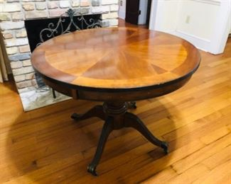 Round Entrance Table