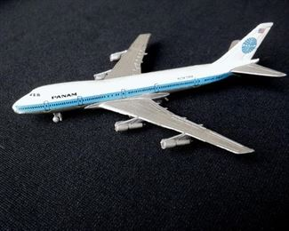 "Vintage die cast Lintoy Boeing 747 with Pan Am decals.  Hong Kong.  Retractable landing gear and front wheel; nothing broken, all works.  Plane body is a little dark from age.  5.75"" long x 5.5"" wide.  $16"