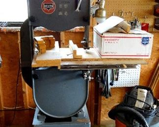 ONLINE AUCTION ITEM #1 - Delta Rockwell Band Saw
