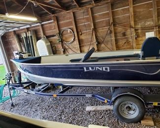 2000 Lund 16 Rebel Adventure Fishing Boat with Trailer, 2 seats and 4 stroke Yamaha Motor