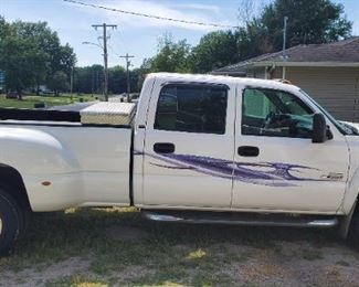2007 Chevy Silverado class 3500, Diesel , extended Cab, Allison transmission, Dulle  (6 wheels), heated seats, power windows,  more