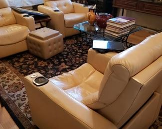 4 Creme Leather Palliser Vox Theater Chairs-Electric Recliners. Lighted cup holders and eating trays.   $700 ea LIKE NEW