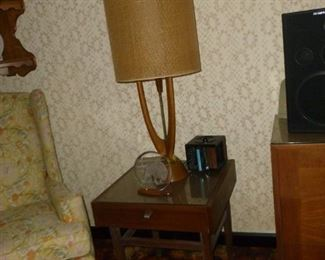 Matching end table w/awesome lamp
