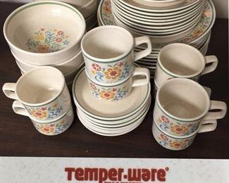 Lenox Temper-Ware Quakertown Dish Set