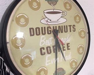 Krispy Kreme Clock (Plastic/Cracked)