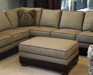 """Gorgeous Huntington House Sectional w Down Pillows and Matching Storage Ottoman (approx 7'7"""" x 9'9"""")"""