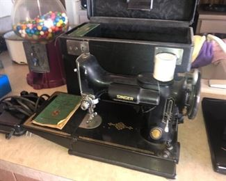 Singer Featherweight with box and manual