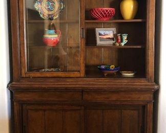 Great Lighted Klaussner Hutch w Sliding Display Door and Plenty of Storage, Assorted Pottery
