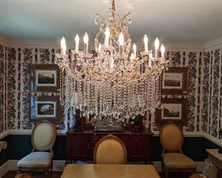 Gorgeous 13-light Italian lead crystal Maria Theresa chandelier.