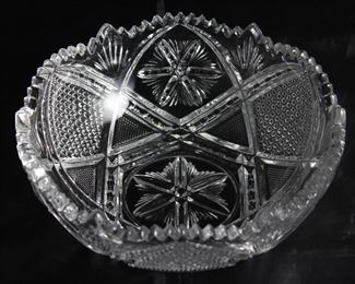 "Fine Cut Lead Crystal Bowl (8 1/2"" D x 3 1/4""H)"