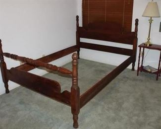 Vintage Mahogany Poster Full/Double Bed