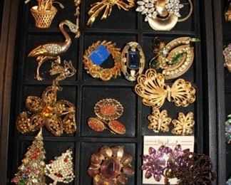 BROOCHES, EARRING SETS