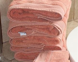 Apt.9  Cotton Salmon Towell Set: 5 Bath Towels and 4 Wash Cloths