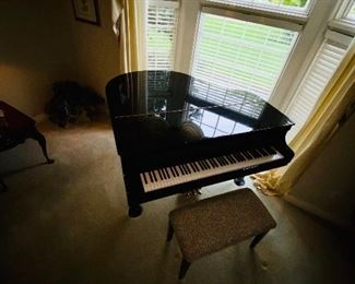 "$3,000 D. H. BALDWIN BLACK LACQUER BABY GRAND PIANO COMES WITH STOOL 57""W x 55""L x 39.5H"