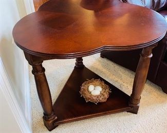 "$90 WOODEN 3 LEAF CLOVER SHAPED SIDE TABLE 25""DIA x 25""H"