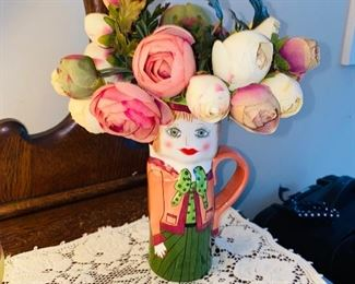 DECORATIVE MUG WITH FLOWERS