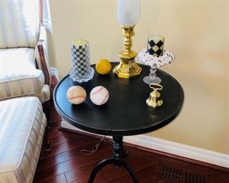 "$48 ROUND TABLE 21""DIA x 26""H"