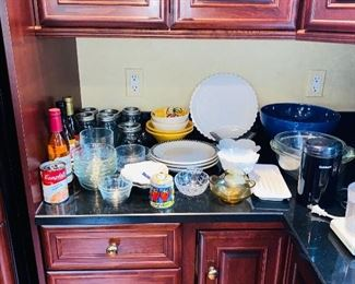 KITCHENWARE / GLASSWARE / BAKEWARE