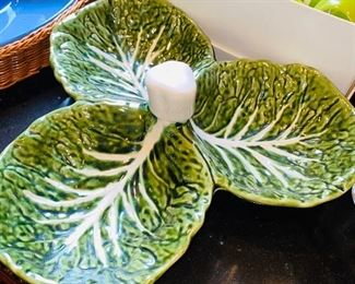 CABBAGE LEAF DIP TRAY