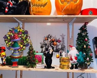 HOLIDAY DECORATIONS / CHRISTMAS / HALLOWEEN / EASTER