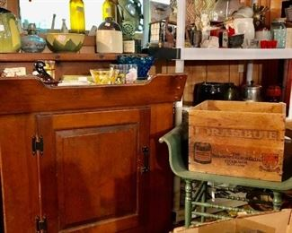 Nice dry sink, Shawnee pottery, one of many wood crates...