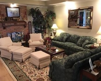 Lots of traditional living room furniture