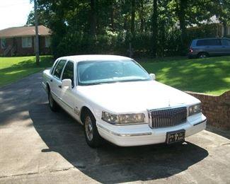 '96 Lincoln Town car 159K