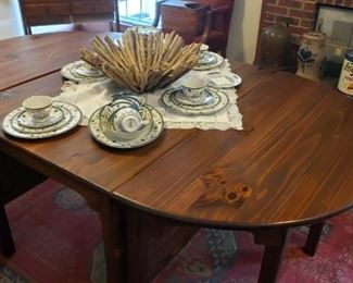 Habersham dining table