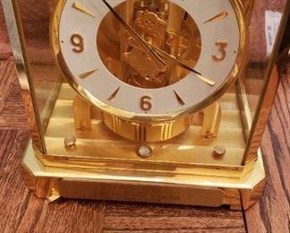 Atmos working clock model 528