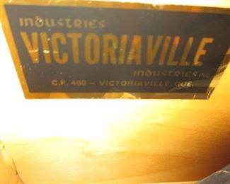 Victoriaville Canada Mid-Century Modern Dresser/Closet