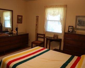 MCM Dixie Bedroom Set