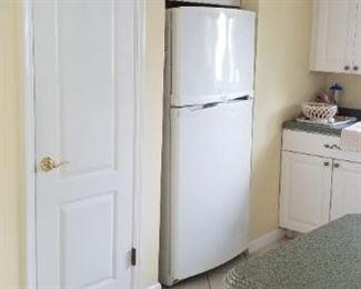 Whirlpool refrigerator mfg. 06/01
