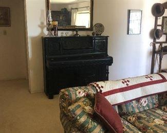 1800's piano