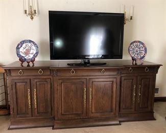 Sideboard & TV
