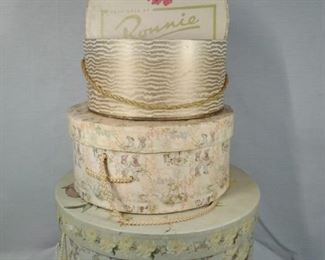 hat boxes in 3 sizes