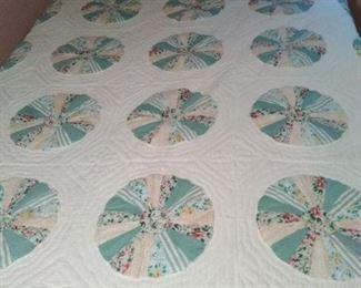 Handmade quilt circle patter