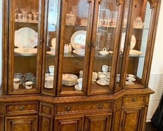 Absolutely beautiful, Bernhardt lighted China Cabinet
