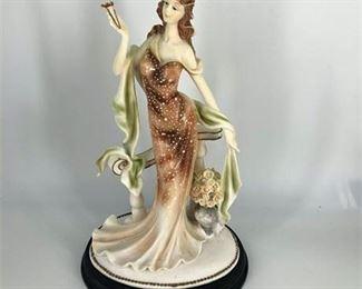 Lot 001 Lady Figurine Statuette