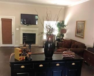 Black & Metallic Gold Buffet   $600.00