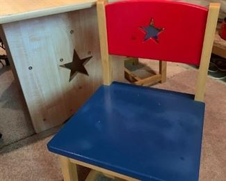 Kid's table and chairs (2 chairs)
