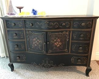 Painted Oak Buffet/Server/Dresser ?