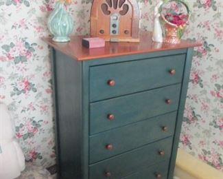 Hunter Green Dresser